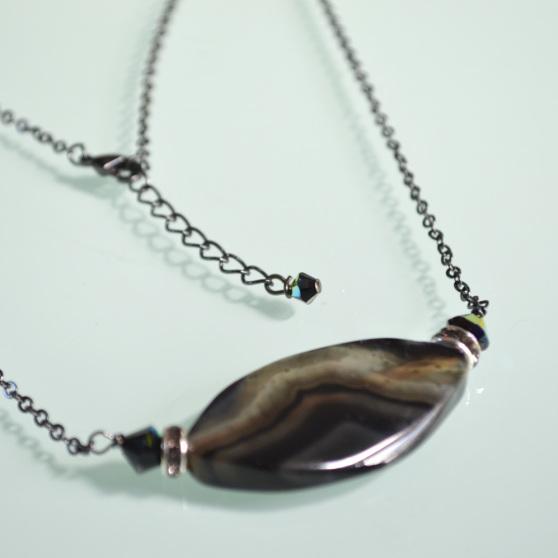 Black Oval Stone Necklace 3